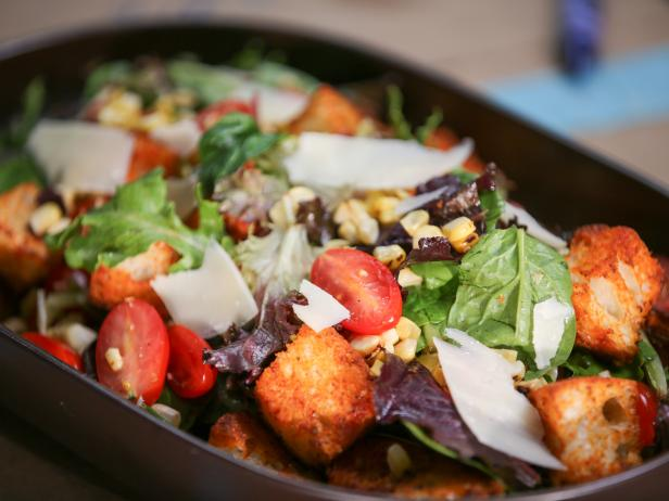 Grilled Corn Salad with Tomatoes and Croutons