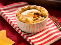 CCTIF0204_Roasted-Chicken-Pot-Pie_s4x3