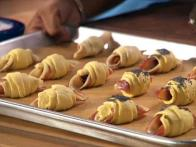 Pigs in a Blanket in 1 Minute