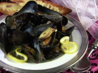 Mussels in Wine & Lemon Sauce