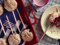 Dessert to Go: Berry Pie Pops
