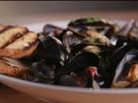 Spicy Beer Mussels