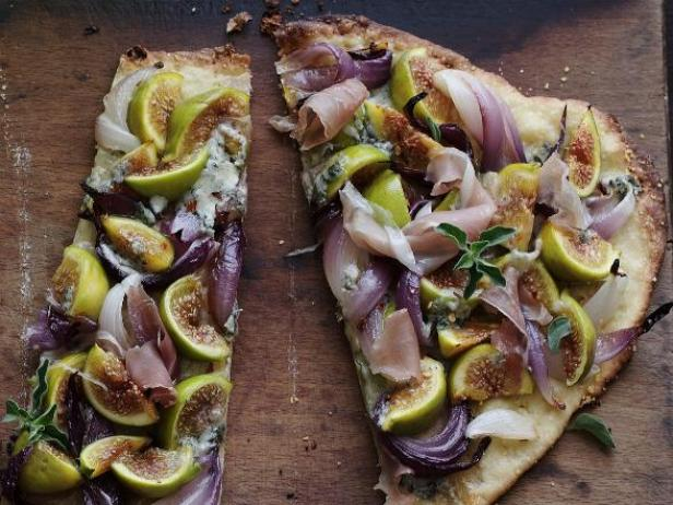 Matt Entertains:  Fig and Blue Cheese Flatbread