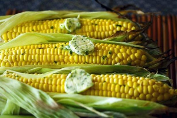 grilled-corn-with-cilantro-wasabi-butter