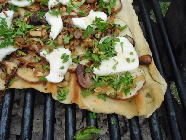 Grilled Pizza With Potato, Fennel, Walnuts and Mozzarella