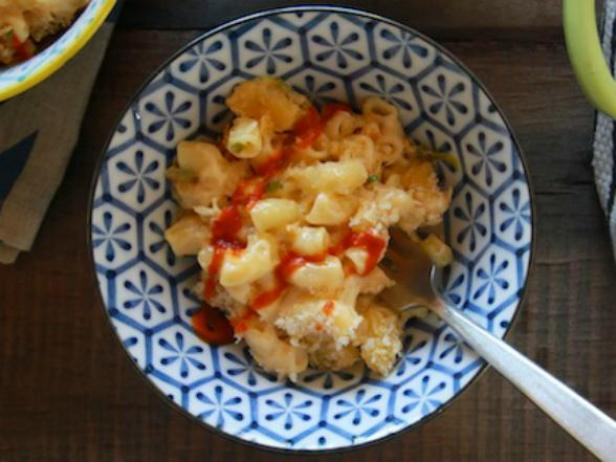 Sifted: Sriracha Mac and Cheese, Fried Apple Pancakes + More