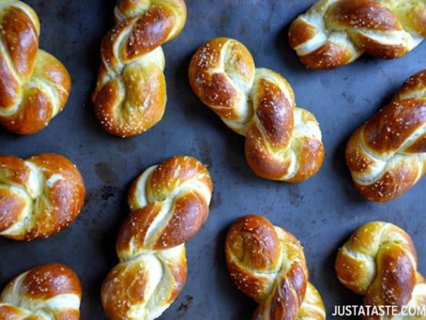 hump day snack soft pretzels for oktoberfest devour cooking channel
