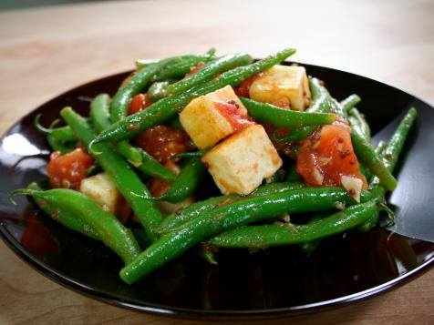 Green Beans with Paneer in Fresh Tomato Sauce