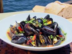 Cooking Channel serves up this Black Bean Mussels with Chinese Beer recipe from Ching-He Huang plus many other recipes at CookingChannelTV.com