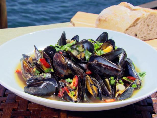 Black Bean Mussels with Chinese Beer