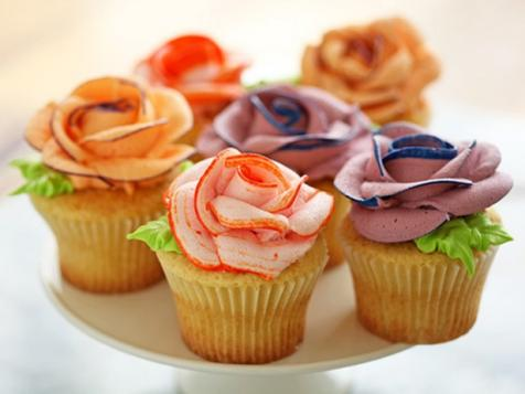 Cupcakes with Piped Flowers