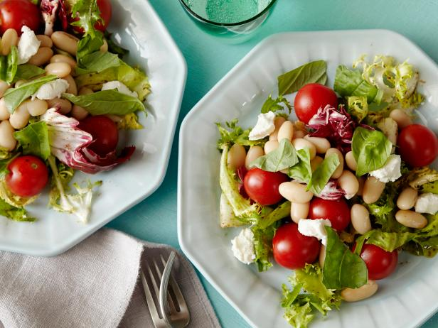 five-minute-goat-cheese-white-bean-salad-recipe,5_MINUTE_SALAD_H_.jpg