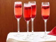 TU0403_Cranberry-Kir-Royale