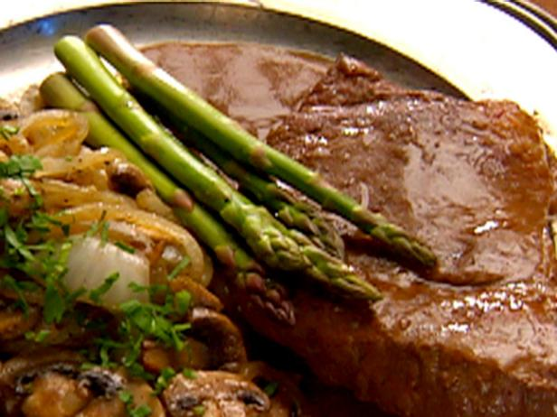 Rump Steaks Braised with Mushrooms and Onions and Porter Sauce