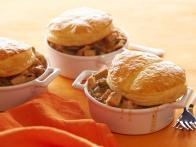 CCWID112_Creamy-Chicken-and-Mushroom-One-Pot-with-Pot-Pie-Topper_s4x3