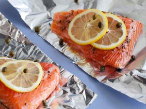CCEDI505_Salmon-with-Lemon-Capers-and-Rosemary-01_s4x3