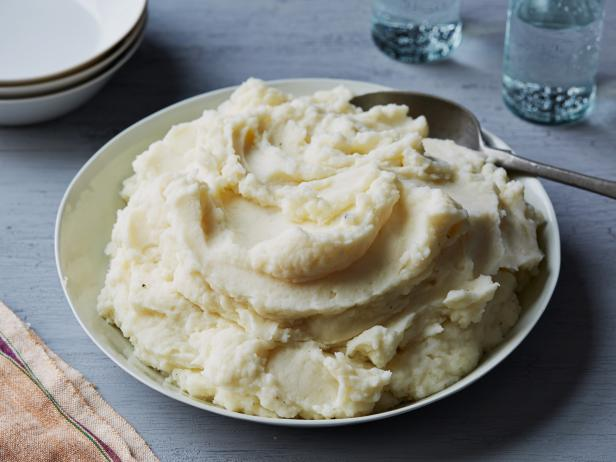 Best Old-Fashioned Mashed Potatoes for a Crowd