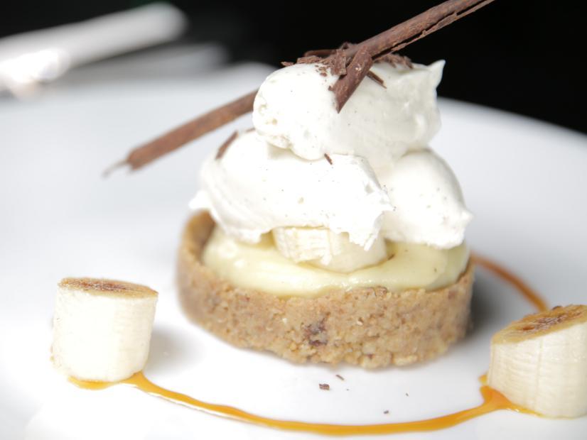 Banana Split Pie: An Old Favorite Reinvented (The Dessert Series)