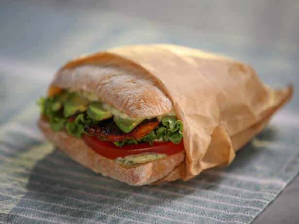 Tias blt sandwich recipe tia mowry cooking channel tias blt sandwich forumfinder Choice Image