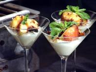Grilled Cinnamon Mint Peaches
