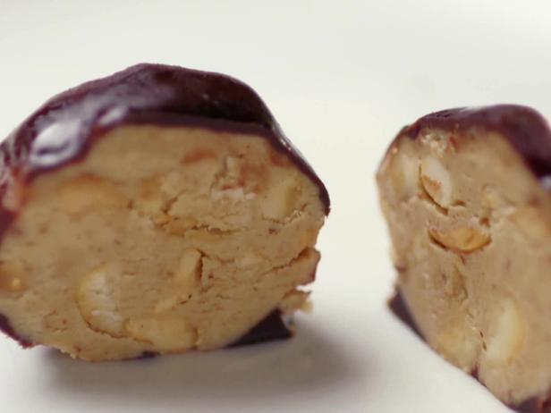 5de385b6f979a1 Peanut Butter Chocolate Bites Recipe